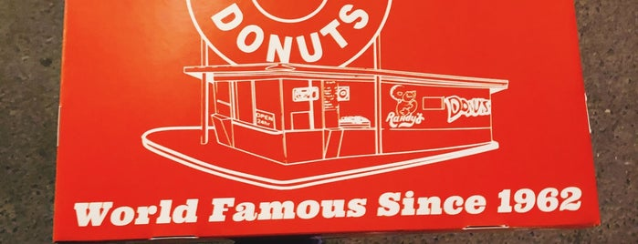 Randy's Donuts is one of Jeddah - SAFood.