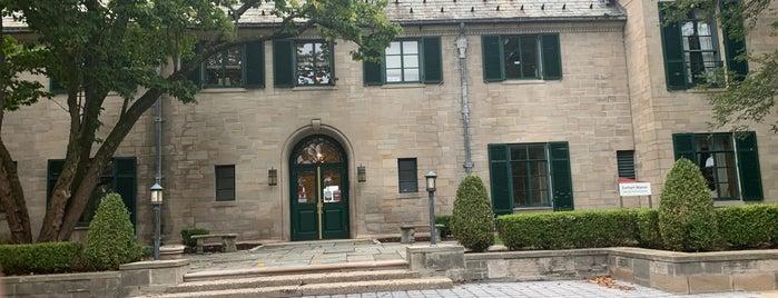 Earhart Manor is one of Happenings.