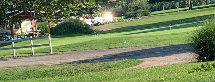 Huron Hills Golf Course is one of rob 님이 좋아한 장소.