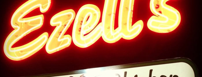 Ezell's Famous Chicken is one of Kevin 님이 좋아한 장소.