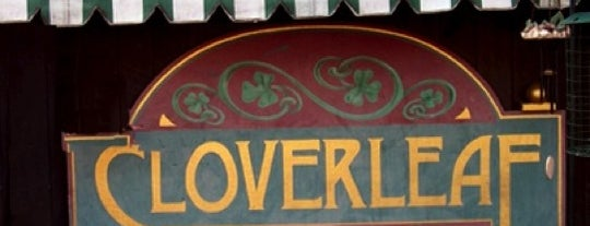 Cloverleaf Tavern is one of Lieux qui ont plu à IS.