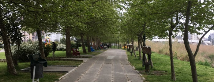 Shora Park | پارک شورا is one of Lugares favoritos de Bahador.