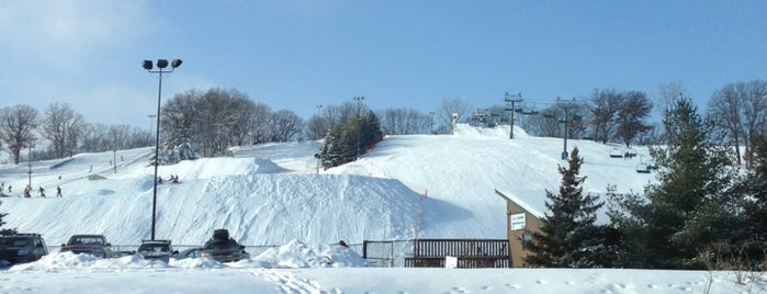 Hyland Ski and Snowboard Area is one of Mpls St Paul Insider Eats 2012.