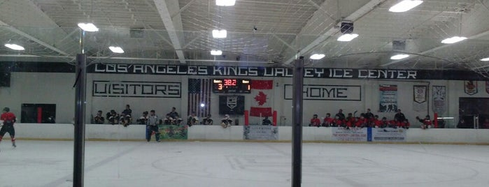 LA Kings Valley Ice Center is one of Locais curtidos por Karl.