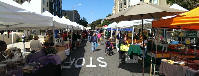 Fillmore Farmers' Market is one of Lieux sauvegardés par Darcy.