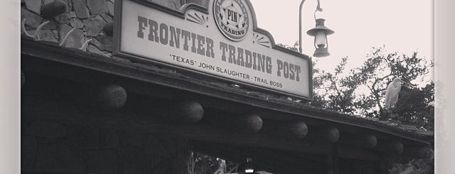Frontier Trading Post is one of Tempat yang Disukai Lindsaye.
