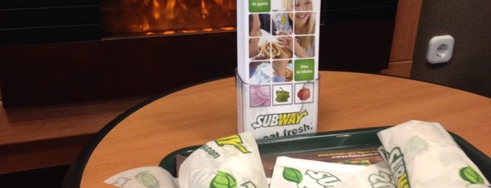 Subway is one of Lugares favoritos de Tamas.