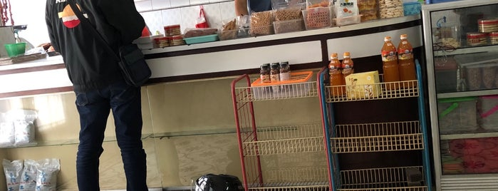 Nasi Campur Jln.Kopi is one of Jkt resto.