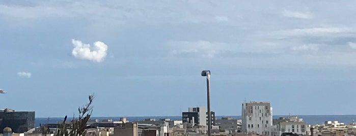 Rooftop Yurbban Tragalgar is one of BCN.
