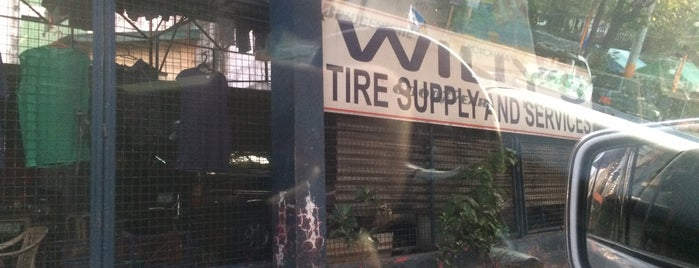 Willy's Tire Supply and Services is one of Lieux qui ont plu à Shank.