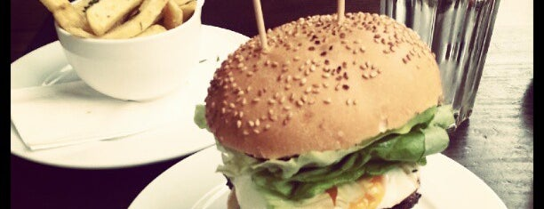 Gourmet Burger Kitchen is one of Locais curtidos por Nick.
