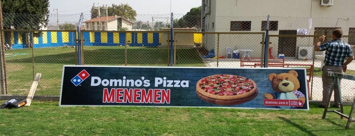 Domino's Pizza is one of Locais curtidos por Kubilay.