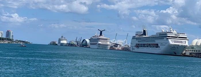 Island Gardens Miami is one of Orte, die Marco gefallen.