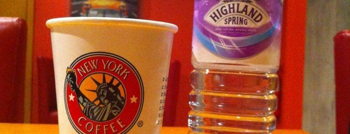 New York Coffee is one of Lugares favoritos de Priya.