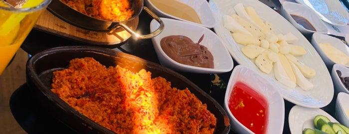 ADA Garden Restaurant is one of AfraAs'ın Beğendiği Mekanlar.
