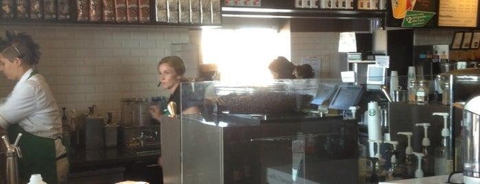Starbucks is one of Tempat yang Disukai Pete.