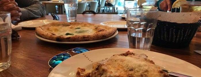 La Pizza & La Pasta is one of Lieux qui ont plu à Yed.