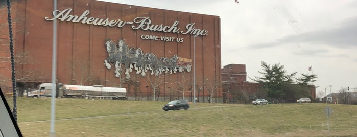 Budweiser Brew House is one of eva's Liked Places.