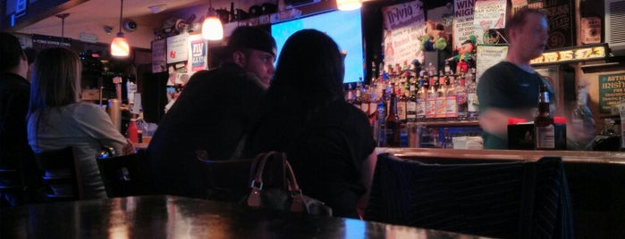 Character's Bar & Restaurant is one of Tempat yang Disukai Michael.