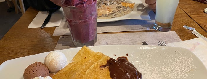 Crepes & Waffles is one of Para Comer/Cenar 👌🏾.