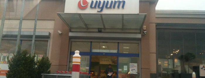 Uyum Market is one of Posti salvati di Cigdem.