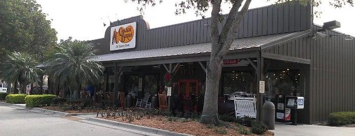 Cracker Barrel Old Country Store is one of Tempat yang Disukai Desiree.