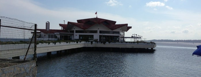 Albatros is one of Beylikdüzü.