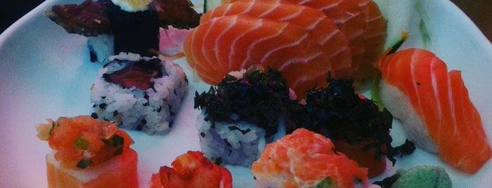 Katashi Sushi is one of สถานที่ที่ Gui ถูกใจ.