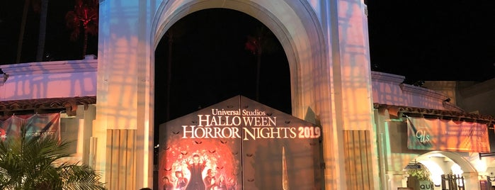 Halloween Horror Nights 2019 is one of Lieux qui ont plu à Fernando.