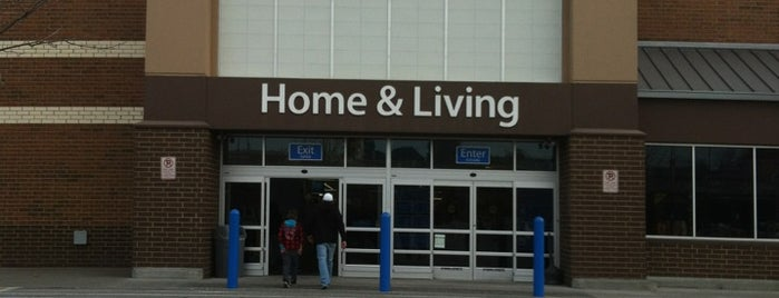 Walmart Supercenter is one of Lets Travel Chickさんのお気に入りスポット.