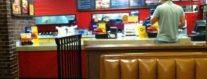 Zaxby's Chicken Fingers & Buffalo Wings is one of Clarkさんのお気に入りスポット.