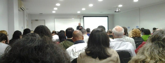 Legale Cursos Juridicos is one of Tempat yang Disimpan Advocacia Correspondente Cotia.