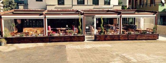 Sohbet Cafe&Food is one of Özge'nin Beğendiği Mekanlar.