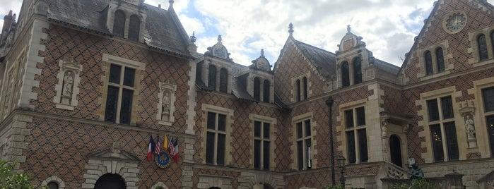 Hôtel Groslot is one of Châteaux et sites historiques du Loiret.