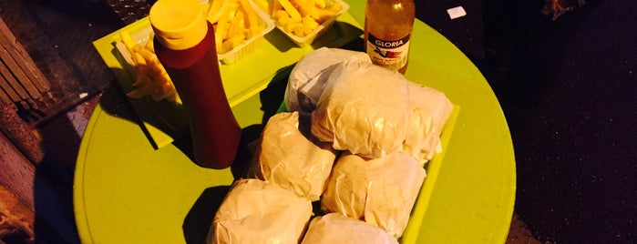 Cube Burger | كوب برگر is one of Locais salvos de Nora.