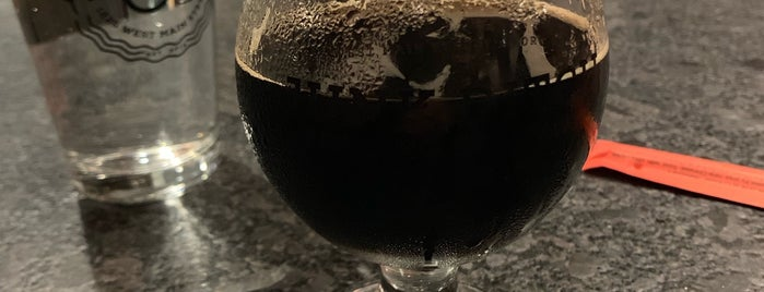 Junk Ditch Brewing Company is one of Lugares favoritos de Sherry.
