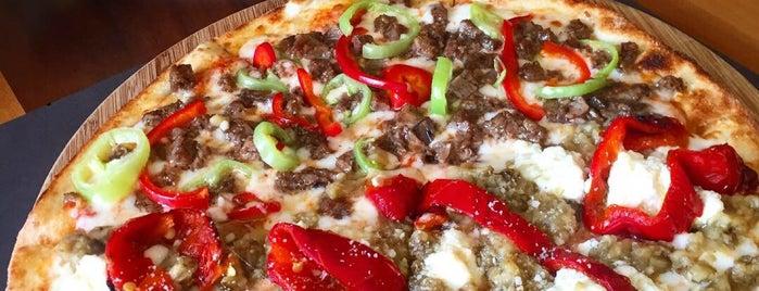 Carmelina Pizza is one of FATOŞ 님이 저장한 장소.