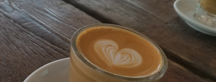 Kinship Coffee Roasters is one of funky'un Beğendiği Mekanlar.