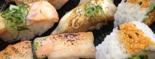 Sushi Bar Makoto is one of Locais salvos de Oscar.