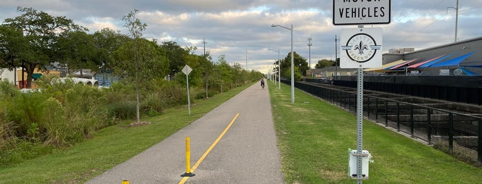 Lafitte Greenway is one of Claire : понравившиеся места.