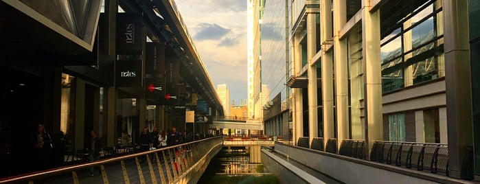 Crossrail Place is one of Lugares favoritos de Carl.
