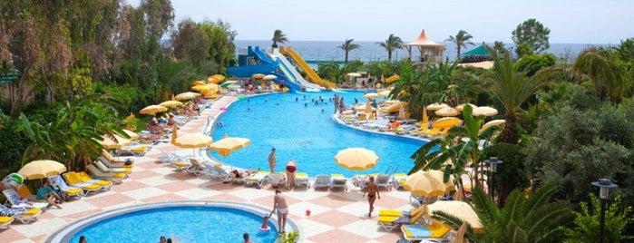Hotel Stella Beach is one of Отели в Алании для сравнения.