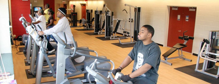 Fosco Park is one of Chicago Park District Fitness Centers.