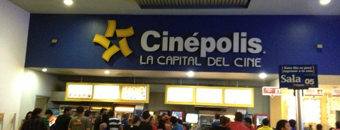 Cinépolis is one of Locais curtidos por Erin.