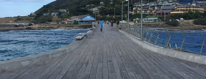 Lorne Pier is one of Victoria.