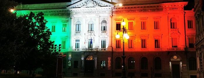 Palazzo Marino is one of Musei/Gallerie/Teatri etc..