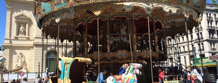Grand Carrousel is one of Locais curtidos por Özge.