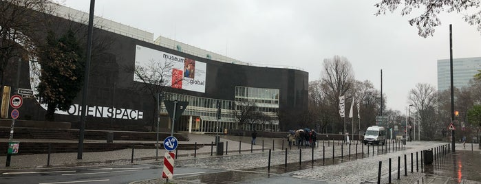 Grabbeplatz is one of Locais curtidos por Tavo.