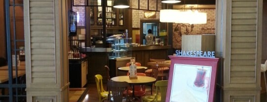 Shakespeare Coffee & Bistro is one of Tempat yang Disukai Şebnem.