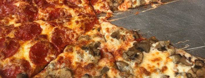 Speedy Pizza is one of Posti che sono piaciuti a Aptraveler.